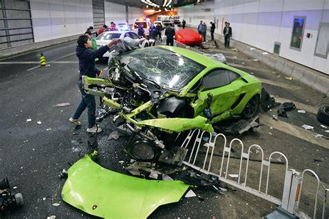 Lamborghini Unfall by Lamborghini Und Tunnel Crash In Peking Bilder