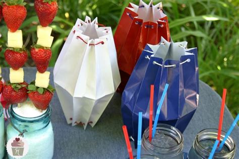 How To Make Paper Bag Lanterns - illustrated craft tutorial how to make a table lantern