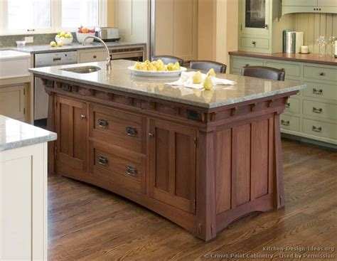 Mission Style Kitchens Designs And Photos Kitchen Island Cabinet Ideas
