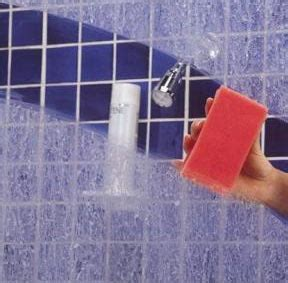 How To Remove Soap Scum From Glass Shower Doors Clean Soap Scum And Water Spots On A Glass Shower Door Simply Tips