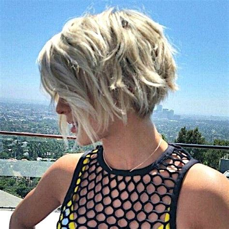 short surfer cuts for women surfer girl short hairstyles www pixshark com images