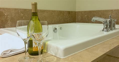 atlanta hotels with tubs in room 174 suites tub hotel rooms cabin rentals