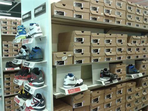 nike outlet chicago on the cheap