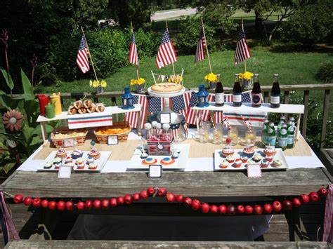sizzling themes for an outdoor summer outdoor - American Themed Decorations