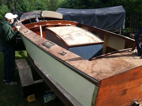 higgins wooden boat 1946 higgins runabout resto