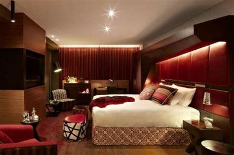 home concept design la riche comment d 233 corer votre chambre en rouge bordeaux