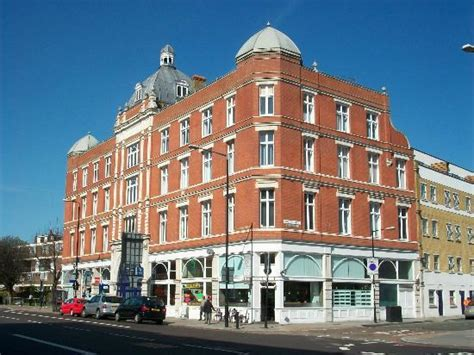 marlin appartment on the main road picture of marlin apartments limehouse london tripadvisor