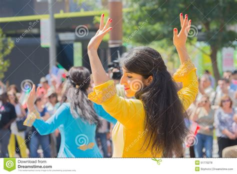 new year parade los angeles 2015 dancers performing editorial stock photo image of