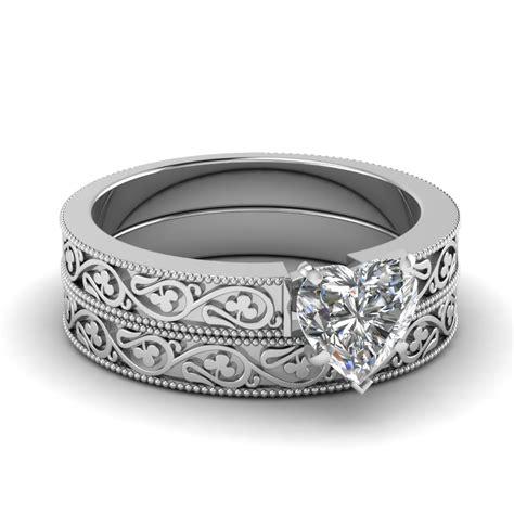 shaped wedding ring set in 14k white gold