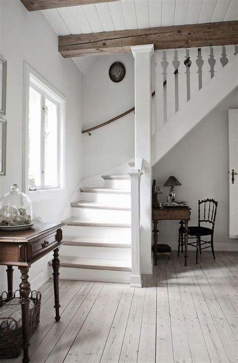 Travi Bianche Legno by Travi In Legno A Vista Per Una Casa Con Il Soffitto Che Arreda