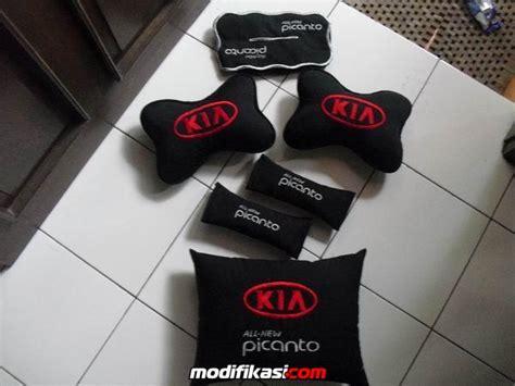 Bantal Mobil Headrestmercedes Elegan headrest seatbelt cvr bantal dan tissue cover mobil bisa custom sesuai merk dll