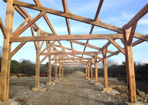 charpente hangar bois construction hangar bois de