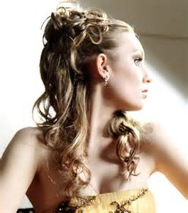 photo coiffures mariage cheveux mi longs chignon