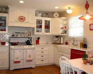 Vintage Cream Kitchen Accessories Red And White Farmhouse Kitchen Kitchens Pinterest
