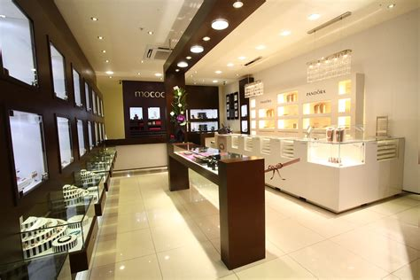 deciding on the right jewellery store