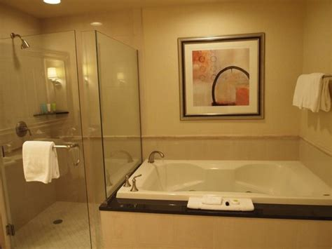 Mgm Grand Bathroom by Foto De Signature At Mgm Grand Las Vegas King Size Bed