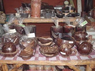 Gelas Minum Kerajinan Tangan Dari Batok Kelapa Ukiran Jepara usaha kerajinan tempurung kelapa tembus pasar mancanegara bisnisukm