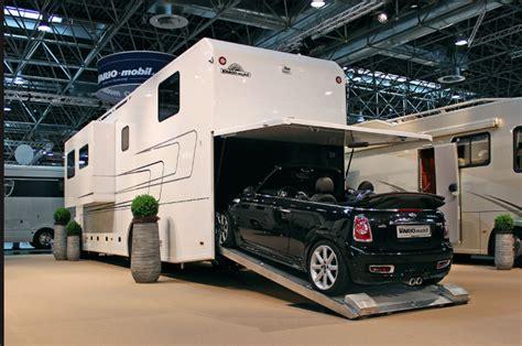 How Big Is A 2 Car Garage il camper su mercedes astros fra poco apre il salone del