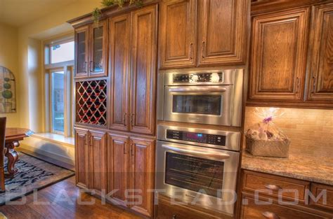 oak cabinets with glaze finish glaze finish 2 kitchen