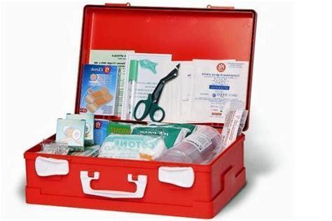 contenuto cassette pronto soccorso cassetta per il pronto soccorso