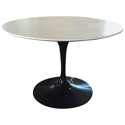 knoll dining table eero saarinen for knoll tulip dining table at 1stdibs
