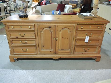 thomasville king or queen bedroom set solid oak dresser thomasville bedroom set 1965