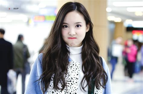 twice onehallyu spam me with twice s nayeon pictures random onehallyu