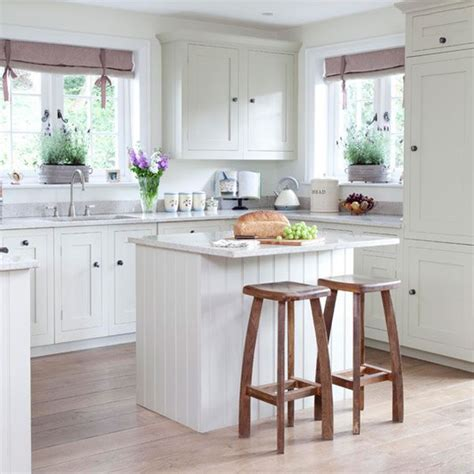 elements of a cottage style kitchen