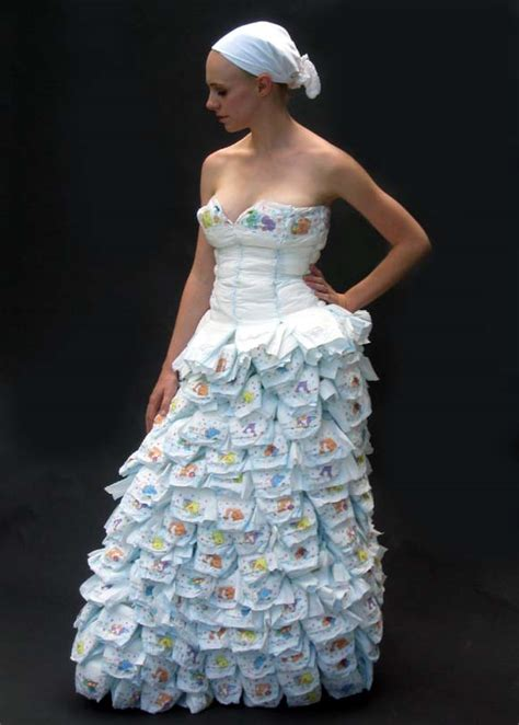 How To Make A Wedding Dress Out Of Toilet Paper - a dress made of diapers and safetypins