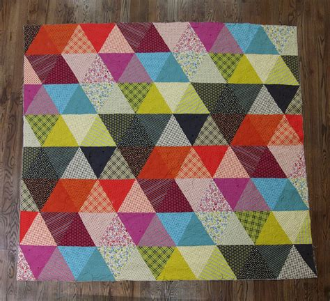 Quilts Photos by Fancy Tiger Crafts Pyramid Pals Three Chicopee Quilts