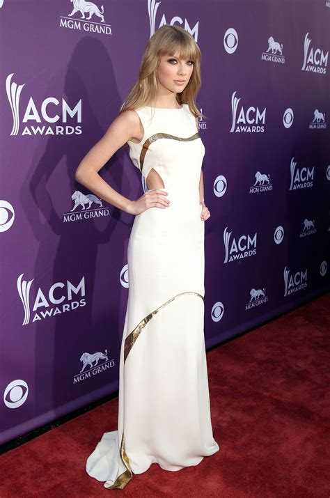 country music award results 2012 taylor swift at 47th annual academy of country music