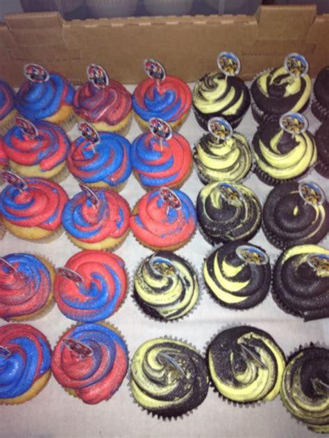 Cupcake Toppers Karakter Tema Bumblebee Transformers transformer cupcakes birthday ideas transformers cupcakes cupcake and