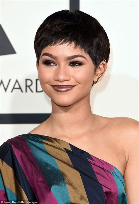 zendaya dons pixie cut wig and vivienne westwood gown at the grammys daily mail online