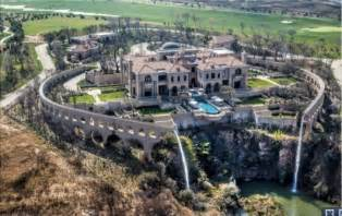 south africa homes for south billionaire douw steyn builds his own mega city