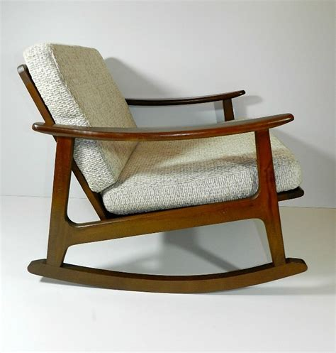 libro 100 midcentury chairs and 100 best images about retro contemporary furniture lighting on furniture mid
