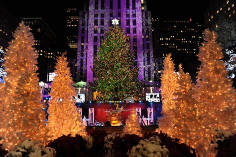 20 images of the rockefeller center christmas tree through