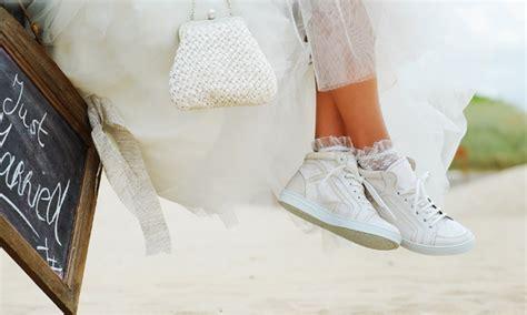 Turnschuhe Zum Brautkleid by F 252 R Jede Braut Der Passende Schuh Tipps Experten Auf