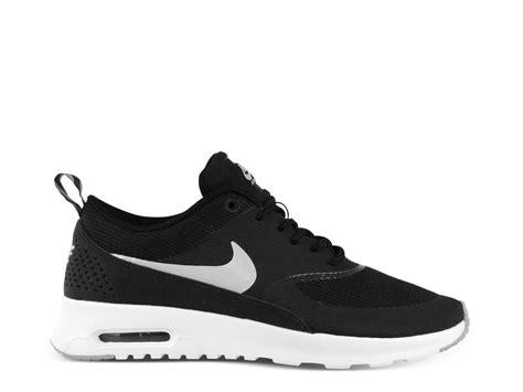 Nike Thea Komplett Schwarz 764 by Schwarz Wei 223 E Nike Oder Adidas Schuhe