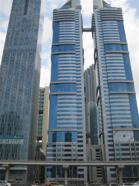 emirates hotel dubai emirates grand hotel angsana suites tower dubai