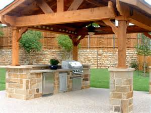 Cheap ideas for an outdoor kitchen with pergola