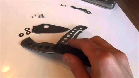 cleaning a pocket knife how to dis and re assamble the spyderco persistance