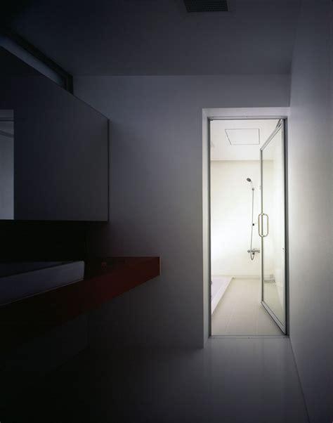 100 Floors Fe Level 13 by Wikitree 벗나무를 바라보는 글래스 큐브 하우스