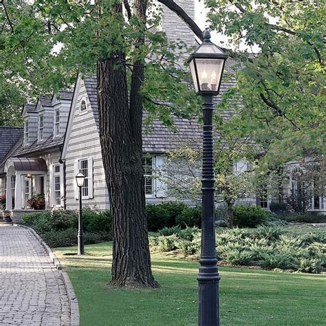 Outdoor Driveway Lights 123 Best Images About Post Lights For Yard On Traditional Landscape Shrubs And Pool