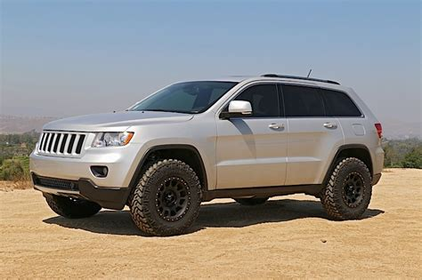 2015 grand cherokee lifted 2 5 lift for 2015 jeep grand cherokee autos post