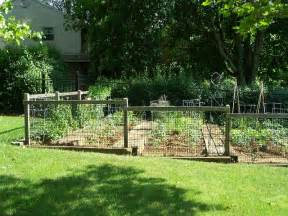 Fencing Ideas For Small Gardens Garden Fence Ideas Pictures Garden Edging Ideas