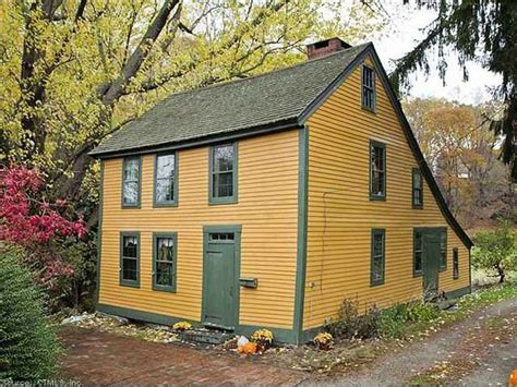 salt box house c 1670 saltbox norwich ct 150 000 old house