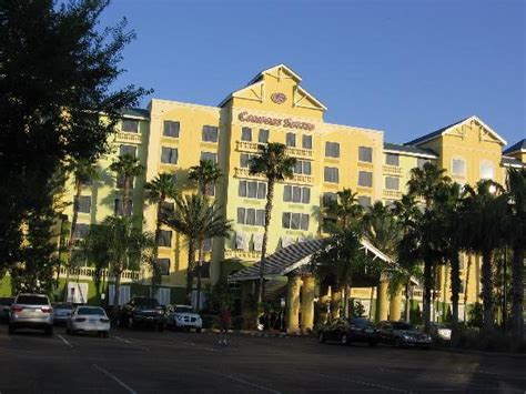 comfort inn and suites kissimmee well kept and landscaped exterior picture of comfort