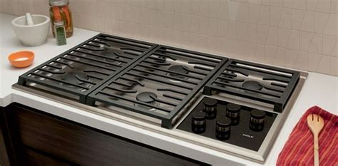 36 wolf cooktop wolf cg365t s 36 quot transitional gas cooktop