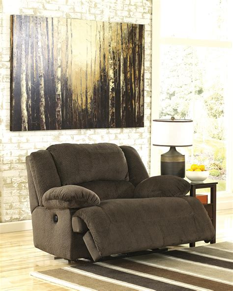 Wide Seat Couches by Wide Seat Power Recliner By Signature Design By