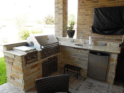 outdoor kitchen ideas for small spaces best 25 small outdoor kitchens ideas on pinterest backyard